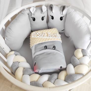 Комплект бортиков в кроватку «Ванильные бегемотики»