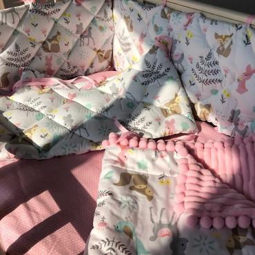 Бортики в кроватку Сатин «Лесные зверята» Розовые Комплект на 4 стороны