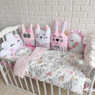 Комплект бортиков в кроватку «Розовый лес» на 4 стороны
