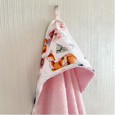 Полотенце с уголком (уголок), 100х100 см «Оленёнки» Розовое