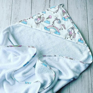 Полотенце с уголком (уголок), 100х100 см «Радужные единороги» Голубое