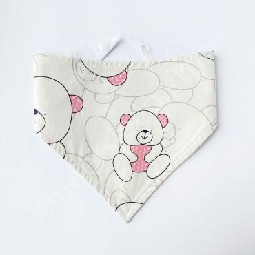 Слюнявчик непромокаемый «Мишка в розовом свитере» цвет Белый