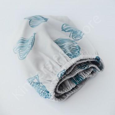 Простынь на резинке в коляску 76x32 Сатин «Сердца голубые» Белый