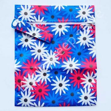 Уценка! Сумка непромокаемая 25/20 см для подгузников Цветочки Синяя