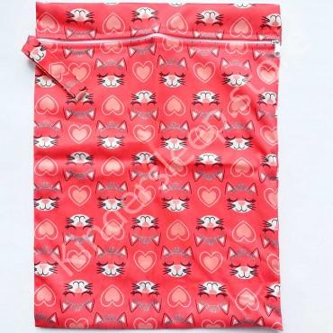 Сумка непромокаемая 40/30 см для подгузников Котики Красная