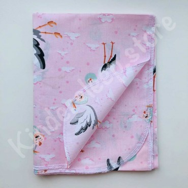Хлопковая многоразовая пеленка  «Аист с ребенком» розовая