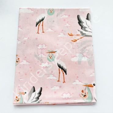Хлопковая пеленка 100х80 см «Аист с ребенком» розовая