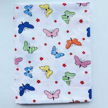 Муслиновая пеленка 100х80 см «Разноцветные бабочки» белая