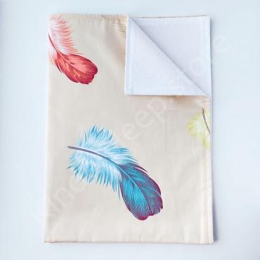 Непромокаемая пеленка 70х50 см, Сатин, «Перья» бежевая